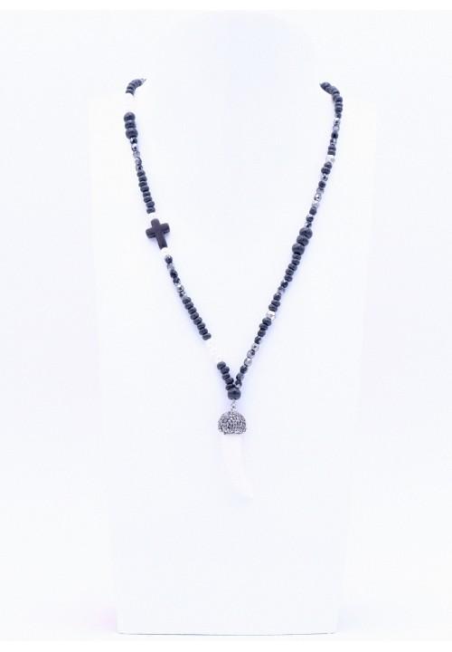 Schwarze Perlenkette mit Zahnanhänger
